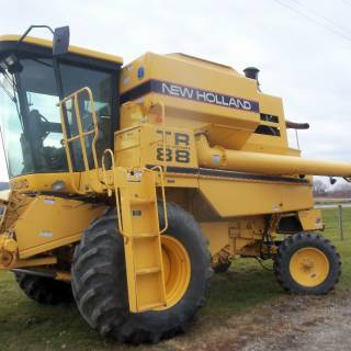New Holland TR-88 harvester