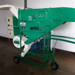 DTE 300 corn threshing machine
